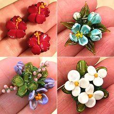 Lampwork flower beads by Dana Torakis