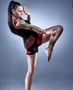 Weibliche Form, Muay Thai Kniestreichtechnik – Th Female Martial Artists, Martial Arts Women, Mixed Martial Arts, Tatoo Muay Thai, Taekwondo, Jiu Jutsu, Foto Sport, Martial Arts Techniques, Muay Thai Techniques