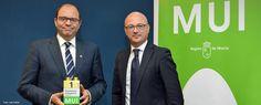 La Universidad de Murcia recibe el Premio al Desarrollo Sostenible. http://www.um.es/actualidad/gabinete-prensa.php?accion=vernota&idnota=55081