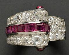 Bague Art Deco en platine, rubis, diamants, Janesich, Paris, poinçons français