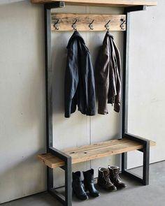 Reclaimed Wood Table Rustic Diy Pallet 20 Ideas For 2019 Steel Furniture, Pallet Furniture, Industrial Furniture, Rustic Furniture, Furniture Design, Industrial Decorating, Furniture Showroom, Furniture Hardware, Retro Furniture