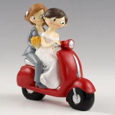This fun figurine represents a couple of brides on a motorcycle. It also serves as a decorative gift to a couple of brides who will go through the altar or who want to encourage them to do so. They are fun and very smiling brides Lgbt Wedding, Wedding Favors, Wedding Ideas, Wedding Cake Toppers, Wedding Cakes, Fun Photo, Family Events, Girl Cakes, Valentine Gifts