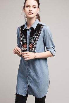 Holding Horses Anthropologie Murelet Chambray Denim Corduroy Embroidery Tunic Button-down Top Size 2 (XS) Blouse Outfit, Denim Outfit, Denim Fashion, Womens Fashion, Chambray Tunic, Denim And Lace, Everyday Outfits, Autumn Winter Fashion, Eminem