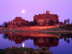 size: Photographic Print: Teutonic Castle of Malbork at Sunset, Malbork, Poland by Krzysztof Dydynski : Travel Malbork Castle, Poland Country, German Houses, Poland Travel, Travel Cards, The Beautiful Country, Travel News, Plan Your Trip, Travel Destinations