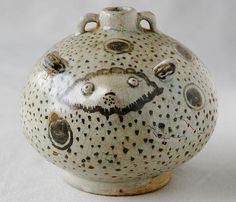 animal-shaped pot with iron painting, made in Si Satchanalai ware of Thailand,circa 15-16th century.