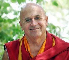 Entrevue avec Matthieu Ricard au sujet des bienfaits aussi nombreux que surprenants de la méditation sur nos vies et en faveur de notre bonheur.