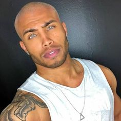 The Best Beard Styles For Bald Men (Balding With A Beard) - - The best beard styles for bald men you need to see. If you are a bald men, then these beard styles for bald men will inspire you! Fine Black Men, Gorgeous Black Men, Handsome Black Men, Beautiful Men Faces, Fine Men, Handsome Man, Eye Candy Men, Best Beard Styles, Hommes Sexy