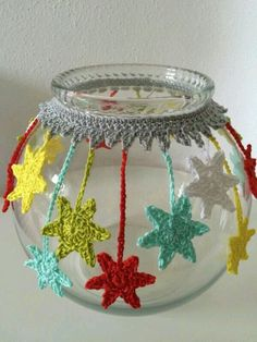 Excellent Pic Crochet flowers vase Ideas Sterne an Glas Crochet Decoration, Crochet Home Decor, Crochet Flower Patterns, Crochet Flowers, Knitting Patterns, Crochet Vase, Decoration Christmas, Christmas Crafts, Christmas Stars