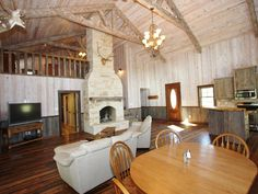 Fredericksburg Vacation Rental - VRBO 433665 - 1 BR Hill Country Lodge in TX, The Beaver Lodge, Beautiful Lodge Feel with Open Country Spaces