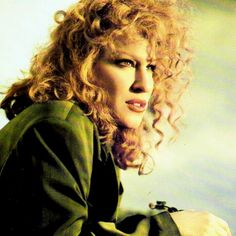 Listen to music from Bette Midler like The Rose, Wind Beneath My Wings & more. Find the latest tracks, albums, and images from Bette Midler. Bette Midler, Divas, Bette Davis, Hollywood Celebrities, Famous Faces, Celebrity Photos, Betta, Movie Stars, Amazing Women