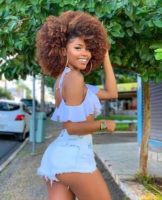 Black Is Beautiful, Pretty Black Girls, Black Girl Swag, Sexy Outfits, Girl Outfits, Moda Afro, Curly Hair Styles, Natural Hair Styles, Pelo Afro