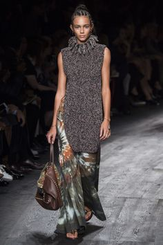See the complete Valentino Spring 2016 Ready-to-Wear collection. Italian  Fashion, f314dc9309