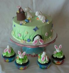 Easter cake and cupcakes