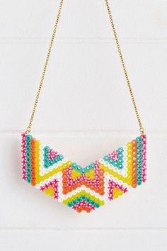 Pearler Beads Hama beads necklace pattern in Mollie Makes … Slate tile flooring dos and don'ts Slate Perler Bead Designs, Perler Bead Templates, Hama Beads Design, Diy Perler Beads, Hama Beads Patterns, Perler Bead Art, Pearler Beads, Beading Patterns, Hama Beads Jewelry