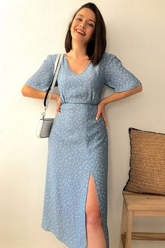 Indian Dresses For Women, Frock For Women, Dresses For Teens, Modest Dresses, Simple Dresses, City Outfits, Summer Fashion Outfits, Fashion Dresses, Cute Preppy Outfits