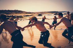 #warmup #sand #beach #beachbreak #surflesson #handinhand #getready #stoked #surfing #surfcamp #surfhouse #surfmore #travelmore #worryless #holidays #beachlife #fuerteventura #spain #goodvibes #planetsurf #planetsurfcamps