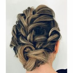 #hair #hairstyle #haircut #hairstyles #haircolor #hairdresser #haircolorist #hairstylist #hairart #hairdo #hairgoals #haircare #hairtutorial #haircuts #hairtransformation #hairfashion #hairpainting #hairvideo #hairdressing #hairideas #hairdye Hair Color Balayage, Haircolor, Haircuts, Hairstyles, Hairdresser, Fashion, Balayage Hair Colour, Hair Color, Moda