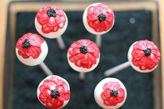 3 SweetLauren-Red Poppy Flower Cake Pops by Sweet Lauren Cakes Pretty Cakes, Cute Cakes, Flower Cake Pops, Poppy Cake, Tuxedo Cake, Cake Quotes, Wedding Cake Pops, Cake Accessories, Mothers Day Cake