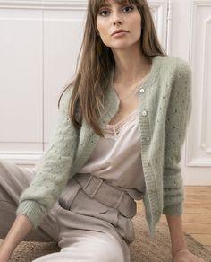 Ravelry: Gilet Penny pattern by Phildar Design Team Crochet Twist, Knit Crochet, Look Fashion, Autumn Fashion, Fashion Tips, Fashion Trends, Knit Cardigan Pattern, Angora, Warm Outfits