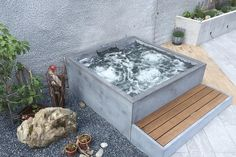 Concrete Whirlpool | Design Example di Dade Design AG concrete works Beton | Vasche idromassaggio da giardino