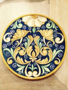 Prato em cerâmica, estilo italiano. Marina Mendes