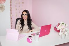Kellee founder & ceo of Lover.ly 's pretty pink office - interesting article on tech gadgets / organisation etc.