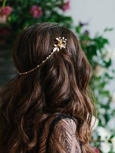 LEO Bohemian Glam Grecian Bridal Halo by EmmaKatzkaBridal Wedding Hairstyles For Long Hair, Bride Hairstyles, Grecian Hairstyles, Evening Hairstyles, Hair Accessories For Women, Wedding Hair Accessories, Diy Accessoires, Hair Jewelry, Hair Pieces