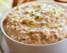 This homemade French Onion Dip recipe will make you ditch the packet for good! People will be begging you for the recipe so they came make this creamy goodness at home! Mexican Spinach Dip Recipe, Crab Dip Recipes, Bread Recipes, Soup Recipes, Appetizer Dips, Appetizer Recipes, Dips Faciles, Dips Thermomix, Mayonnaise
