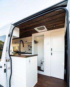 Ford Transit Camper Conversion, Camper Van Conversion Diy, Trailer Interior, Campervan Interior, Van Living, Tiny House Living, Van Conversion Bathroom, Airstream Decor, Van Dwelling
