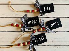 Wooden Christmas Decorations, Christmas Ornament Crafts, Farmhouse Christmas Decor, Buffalo Plaid Christmas Ornaments, Diy Ornaments, Country Christmas Trees, Beaded Ornaments, Glass Ornaments, Diy Christmas Tree Garland