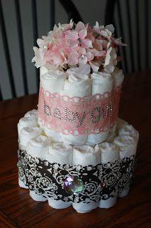 pastel de pañales rosa y damasco negro
