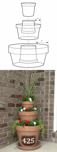 New front door plants pots house Ideas Clay Pots, Small Garden Layout, Front Door Plants, Front Doors, Stacked Pots, Stacked Flower Pots, Diy Planters Outdoor, Modern Planters, Tips