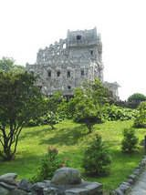 Gillette Castle in East Haddam is a popular Connecticut attraction. Actor William Gillette's castle is open for tours Memorial Day-Labor Day. Danbury Connecticut, New Haven Connecticut, Greenwich Connecticut, Oh The Places You'll Go, Places To Travel, Places To Visit, Travel Destinations, Connecticut Attractions, Gillette Castle