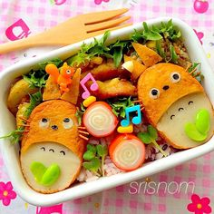 Totoro bento - - a new take on totoro bento that I've never seen before. I wonder what they're made out of hmmm...