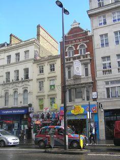 Shops, malls and coffe shops around the World / Tiendas, centros comerciales y cafés del mundo: Fashion shops in London / Tiendas de moda en Londr...