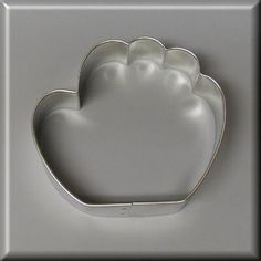3.5 Baseball Glove Cookie Cutter [NA2026] - $0.90 : American Tradition Cookie Cutters, $0.90 each. Made in the USA     #CookieCutters  americantraditioncookiecutters.com