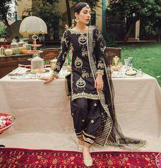 Pakistani Frocks, Pakistani Formal Dresses, Pakistani Fashion Party Wear, Pakistani Dress Design, Pakistani Outfits, Indian Outfits, Indian Fashion, Shadi Dresses, Punk Fashion