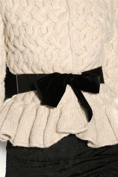how to wear bows!