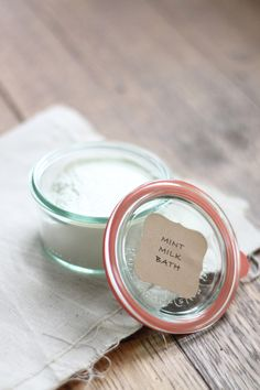 DIY: mint milk bath