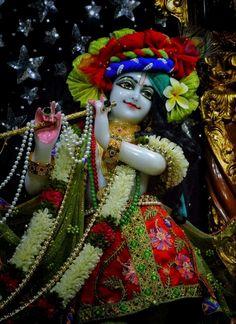 Shree Krishna, Radhe Krishna, Radha Krishna Images, Cute Photography, Indian Gods, Hare, Princess Zelda, Christmas Ornaments, Magic