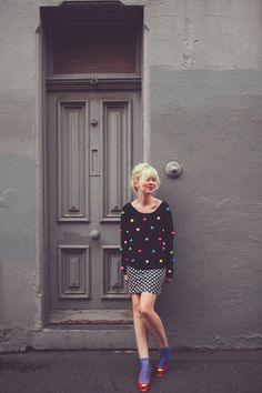 This chick knows how to mix colors and patterns SO well!!! I'm obsessed with her style:)