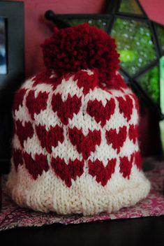 Baby Heart Hat Knit Pattern // Ravelry // Free