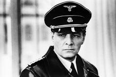 Штандартенфюрер СС Макс Штирлиц (полковник Исаев) - Вячеслав Тихонов.