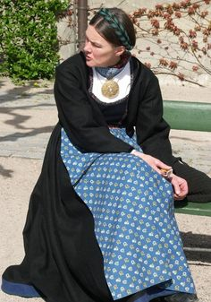 Helga Fahre Bergland med sin flotte bunad fra Lunde i Telemark. Folk Costume, Costumes, Norway Viking, Frozen Costume, Folk Clothing, Scandinavian Fashion, Victorian Costume, Traditional Dresses, How To Wear