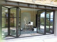 Risultato immagini per chassis porte fenetre Small Buildings, Interior Design Studio, Patio Doors, Architecture, Windows And Doors, Glass Door, My Dream Home, Interior And Exterior, Outdoor Living