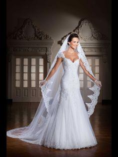 A-line/Princess V-neck Sleeveless Applique Chapel Train Organza Wedding Dresses