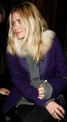 "Ashley Olsen Wears a Snood, Vogue Calls it ""Genius"" - royal purple with grey - Mary Kate Ashley, Mary Kate Olsen, Elizabeth Olsen, Ashley Olsen Style, Olsen Twins Style, Full House, Olsen Sister, The Row, Vogue"