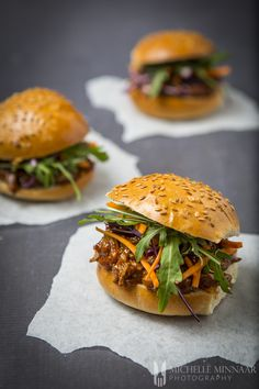 BBQ Pulled Lamb - A Mouth-watering Recipe That Will Forever Change Your Mind About Lamb Lamb Burger Recipes, Lamb Recipes, Cooking Recipes, Slow Cooking, Meat Recipes, Crockpot Recipes, Cooking Tips, Pulled Lamb Slow Cooker, Slow Cooked Lamb