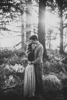 Fall Engagement Photo Shoot and Poses Ideas 22