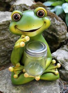 Frog Solar Jar Statue